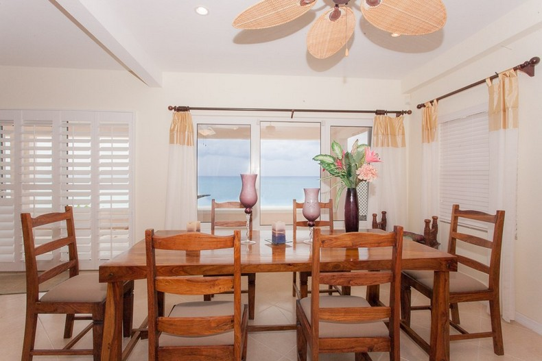 Villa Rosa in Seven Mile Beach, Cayman Islands 9