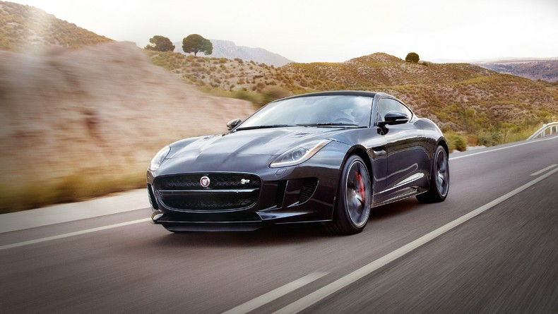 With 550 HP and Instinctive AWD®, The 2016 F-TYPE R Coupe AWD is a true performer