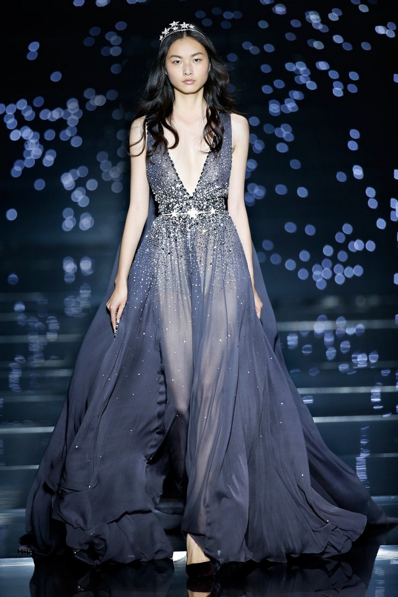 Zuhair Murad Haute Couture FW 2016 - Long fluid dress with plunging neckline and gray georgette crepe 'pans dans le dos' enhanced with tone on tone stone constellations