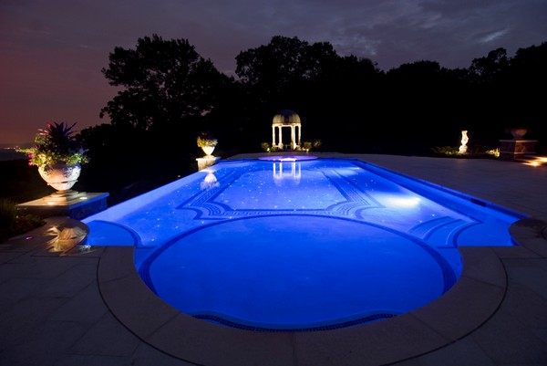 custom-zero-infinity-glass-tile-swimming-pool-design-nj