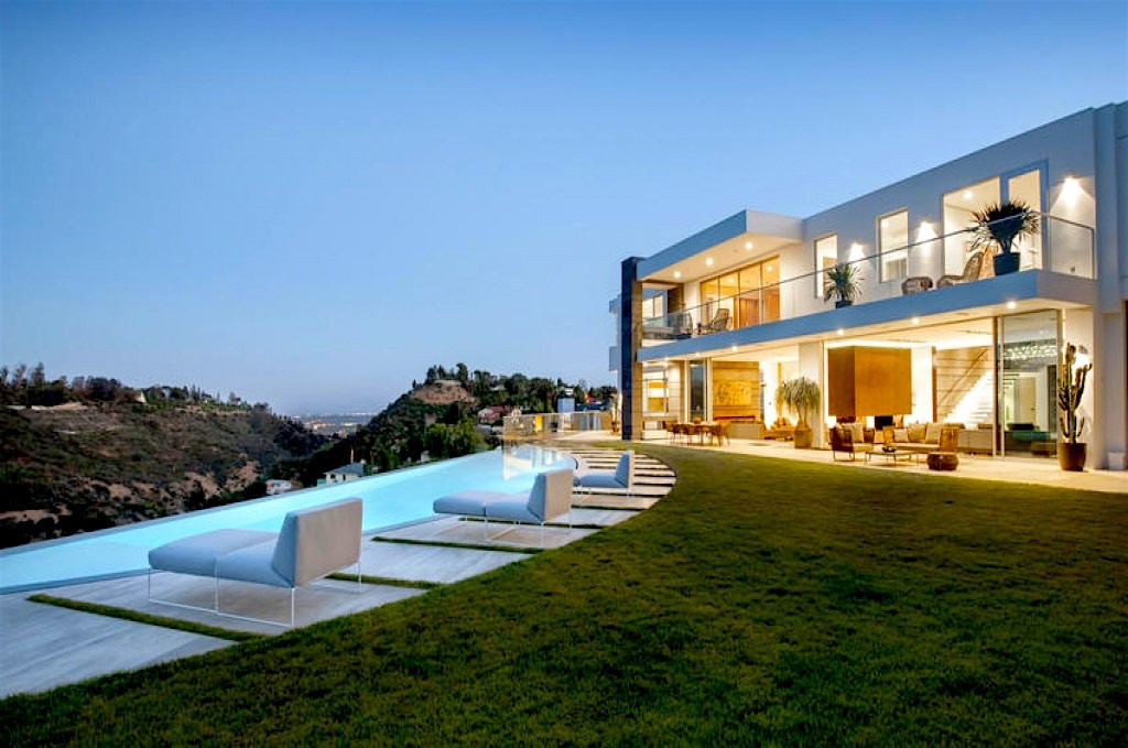 Musical Producer L A Reid S 18 Million Mansion In Bel Air