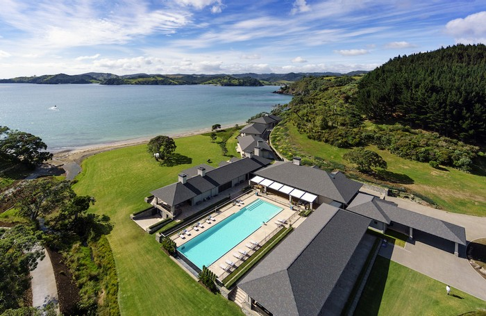 russian-billionaire-opens-the-spectacular-helena-bay-lodge-in-new-zealand-1