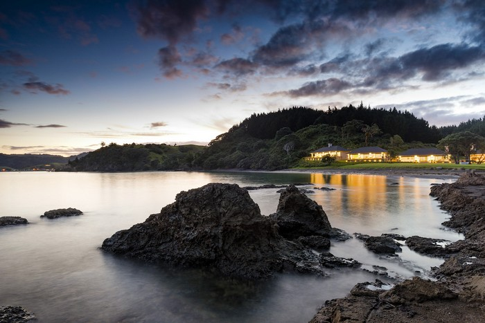 russian-billionaire-opens-the-spectacular-helena-bay-lodge-in-new-zealand-5