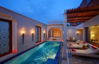 Immerse yourself in the ethnic riches of India by visiting the luxurious and relaxing ITC Mughal Royal Spa